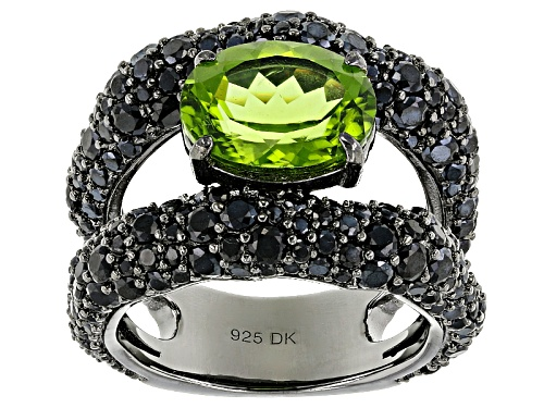 Photo of 3.30ct Oval Manchurian Peridot™ And 4.37ctw Black Spinel Black Rhodium Over Silver Band Ring - Size 5
