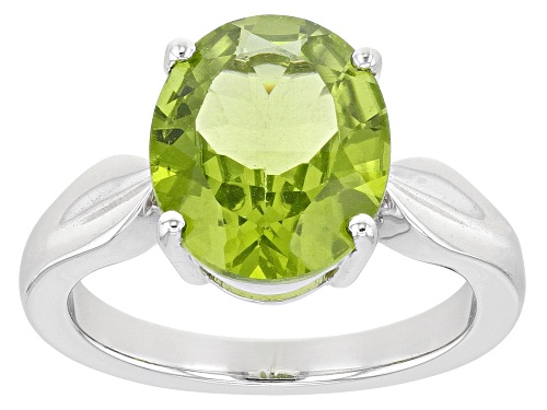 Photo of Pre-Owned 4.50ct Oval Peridot Sterling Silver Solitaire Ring - Size 7