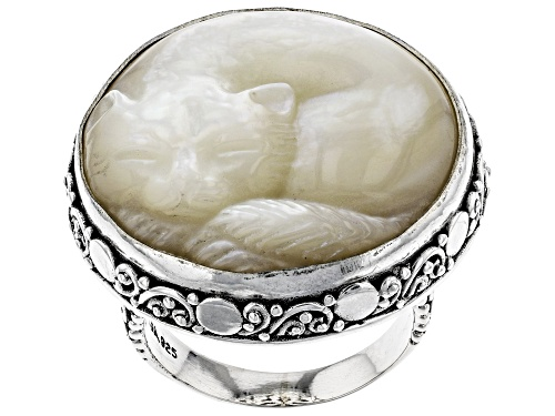 Photo of Artisan Collection Of Bali™ 25mm Round, Carved White Mother Of Pearl Cat Silver Solitaire Ring - Size 12