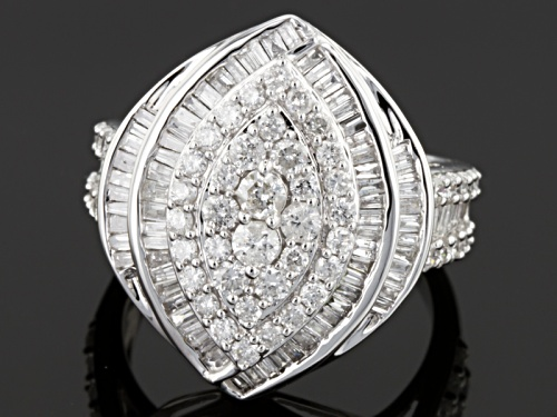 Pre-Owned 1.85ctw Round & Baguette Diamond 14k White Gold Ring - Size 7