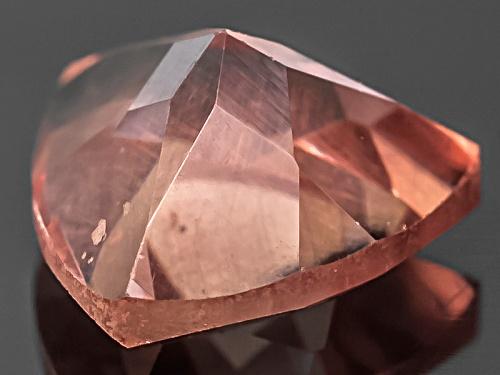 Masasi Bordeaux Garnet™ Avg .50ct 5mm Trillion Color Shift