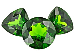 Chrome Diopside Set of 3 2 7mm  Trillions and a 8mm Round 3.86ctw