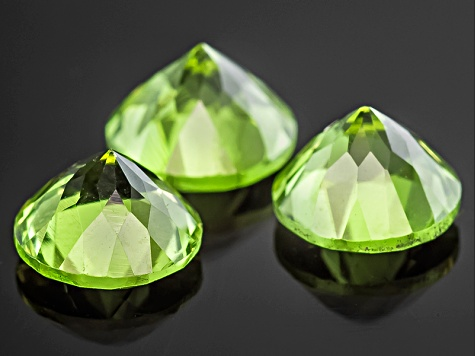 Peridot 5.5mm Round Set of 3 1.65ctw