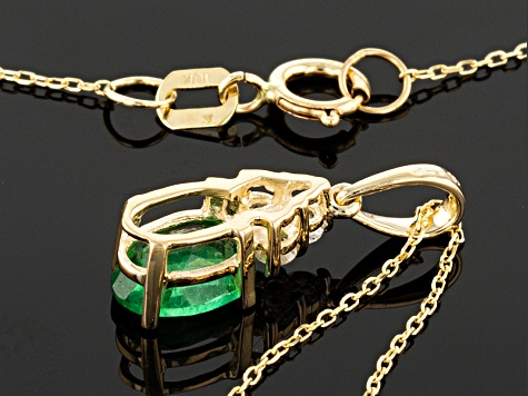 Green Apatite 10k Yellow Gold Pendant With Chain .82ctw