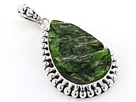 Green Chrome Diopside Silver Pendant