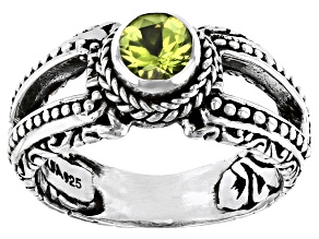 Green Peridot Sterling Silver Ring 0.51ct