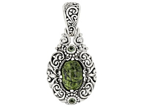 Green Serpentine Sterling Silver Pendant .18ctw