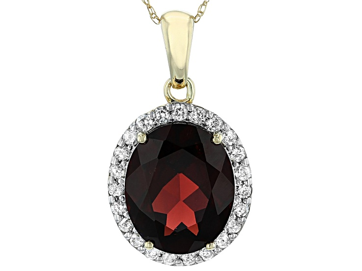 14k Yellow Gold Oval Garnet Pendant with 18 Chain