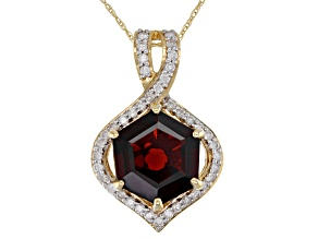 Red garnet 14k yellow gold pendant with chain 3.71ctw