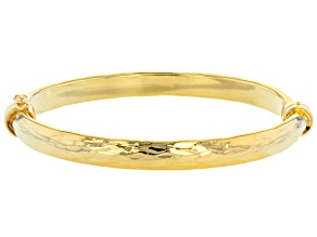 Pre-Owned Moda Al Massimo Yellow Gold Over Bronze Diamond Cut Oval Hinged Clasp Bangle 7 Inches