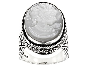 Pre-Owned White Mother Of Pearl Silver Cameo Ring