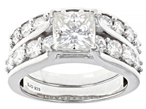 Pre-Owned Moissanite Platineve ring with band ctw DEW.