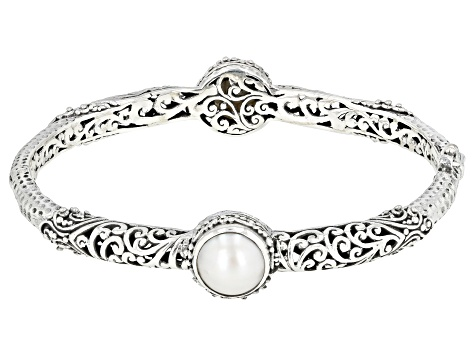 Pre-Owned White Mabe Pearl Silver Bangle Bracelet