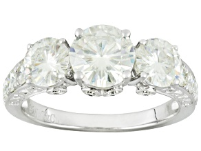Pre-Owned MOISSANITE FIRE® 2.96CT DIAMOND EQUIVALENT WEIGHT ROUND PLATINEVE™ RING.