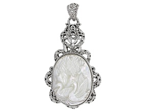 Pre-Owned White Mother Of Pearl Silver Swan Pendant