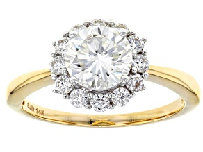 Pre-Owned Moissanite 14k yellow gold ring.