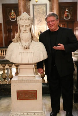 Jerry Sisk poses with King Edward III