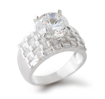 White Bella Luce Ring