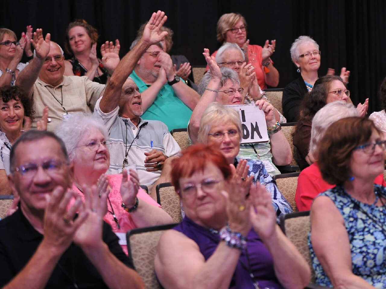 Live show audience clapping