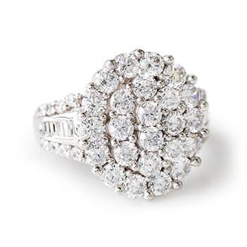 White Bella Luce Ring