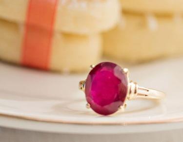 Color gold gemstone ring