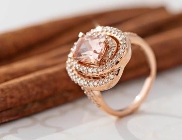 Color gemstones in gold